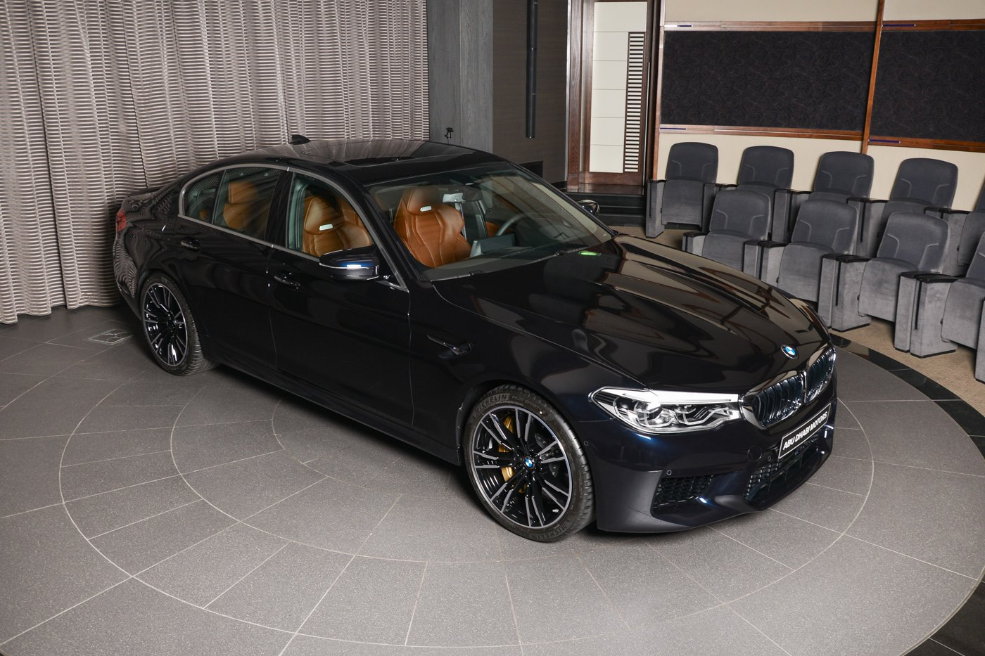 BMW M5 Azurite Black