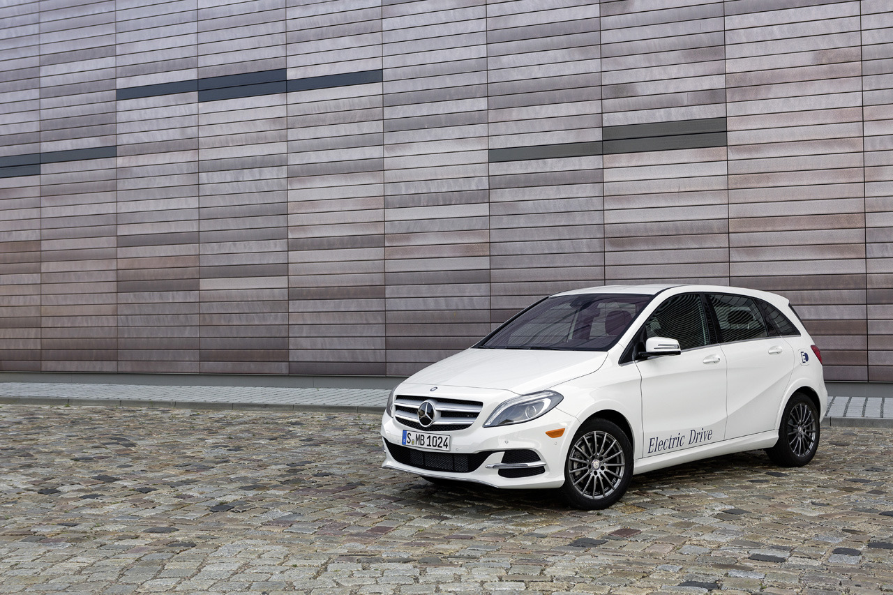 B class electric drive gets reviewed by popular mechanics for Mercedes benz mechanics