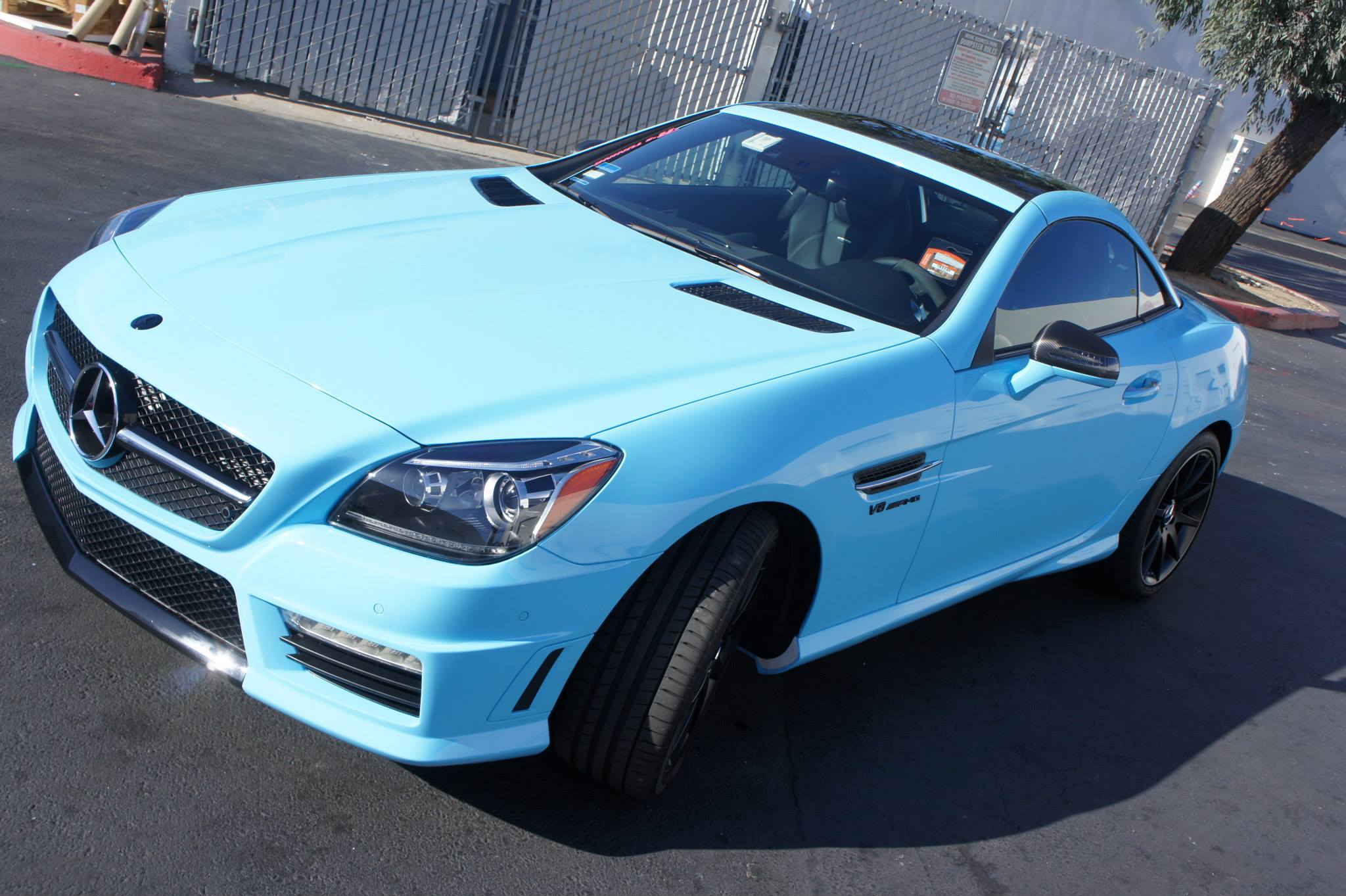 Baby Blue Slk 55 Amg Has Pink Calipers Autoevolution