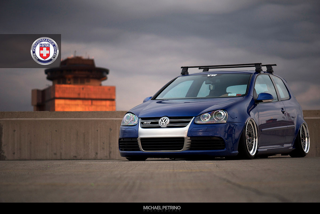 bagged vw golf r32 on hre wheels autoevolution. Black Bedroom Furniture Sets. Home Design Ideas