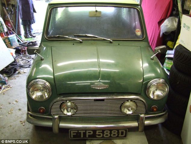 Barn Find For Sale 1966 Mini Cooper Autoevolution