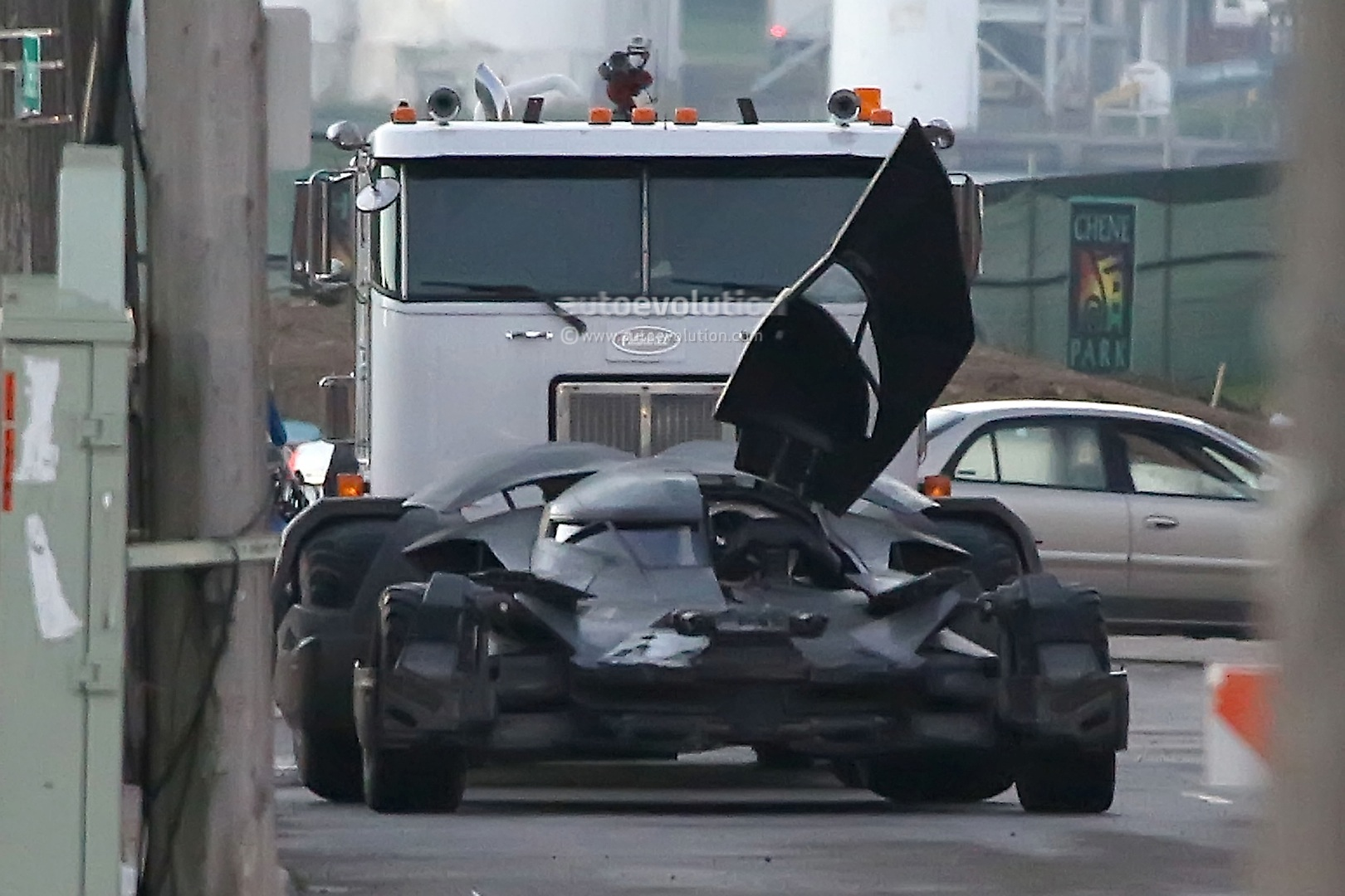 batmobile from new batman vs superman movie revealed during detroit shooting autoevolution. Black Bedroom Furniture Sets. Home Design Ideas