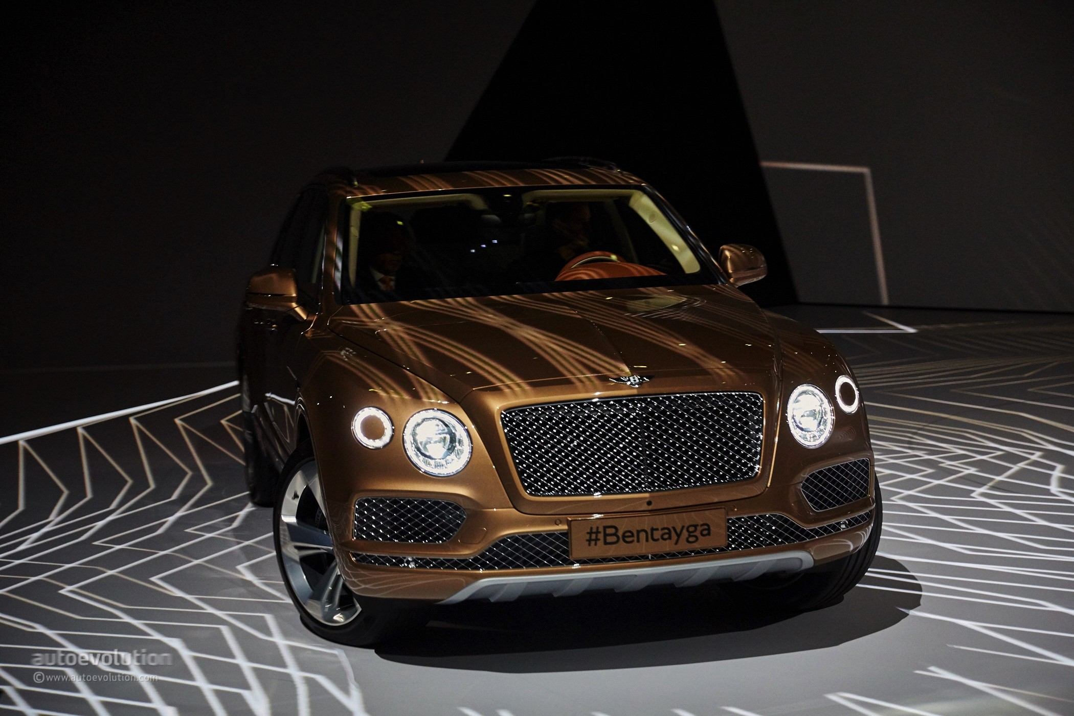 Bentley Bentayga Might Get The Same 4 0 Tdi V8 With E