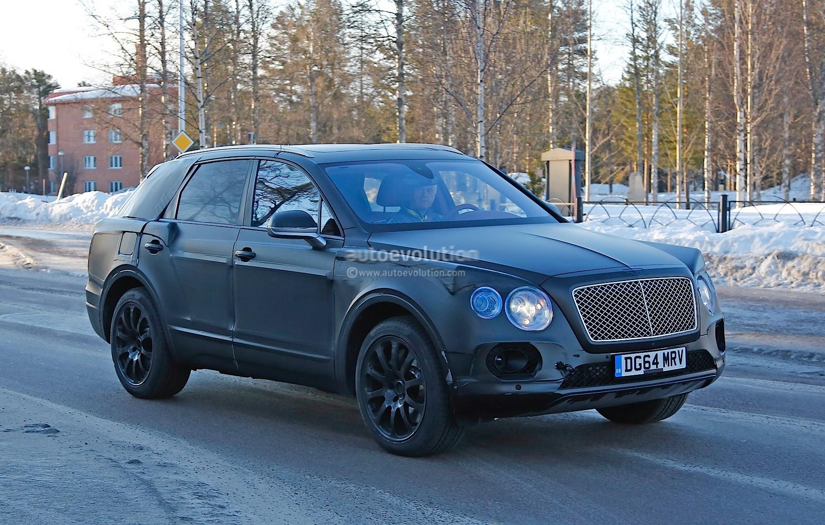 2015 - [Bentley] Bentayga - Page 5 Bentley-bentayga-spied-once-again-looks-like-an-edgier-vw-touareg-photo-gallery_4