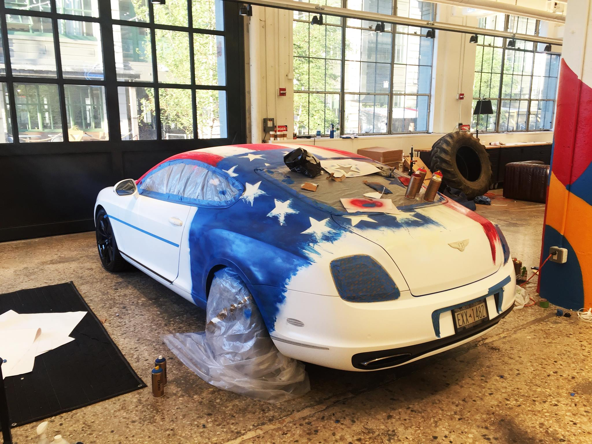 Miata with poppy art car livery isn t just for show autoevolution -  Bentley Conti Gt Art Car Combines Batman And American Flag