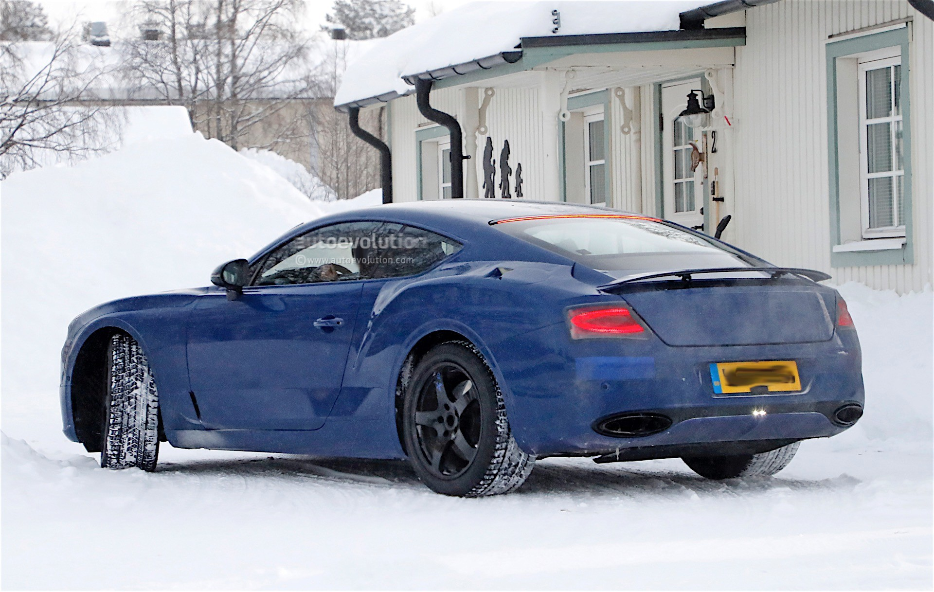 next gen bentley continental gt spied with less camouflage than ever before autoevolution. Black Bedroom Furniture Sets. Home Design Ideas