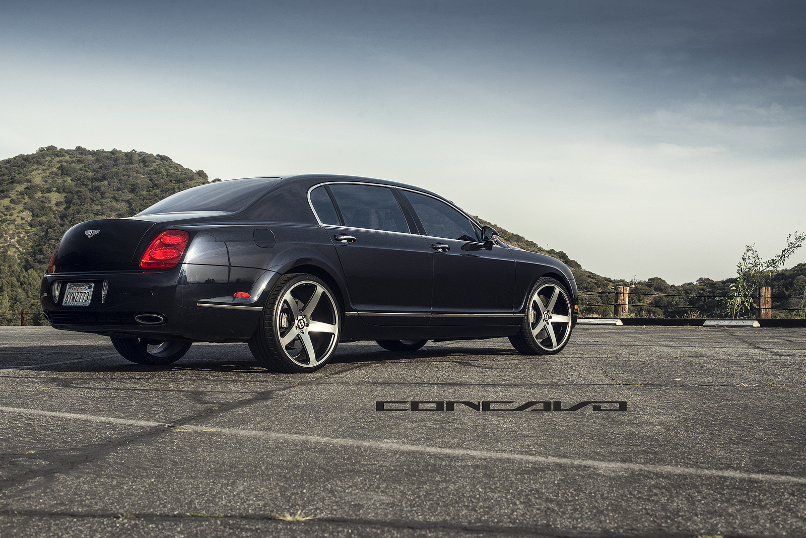 bentley flying spur shines on 22 inch concavo wheels autoevolution. Black Bedroom Furniture Sets. Home Design Ideas