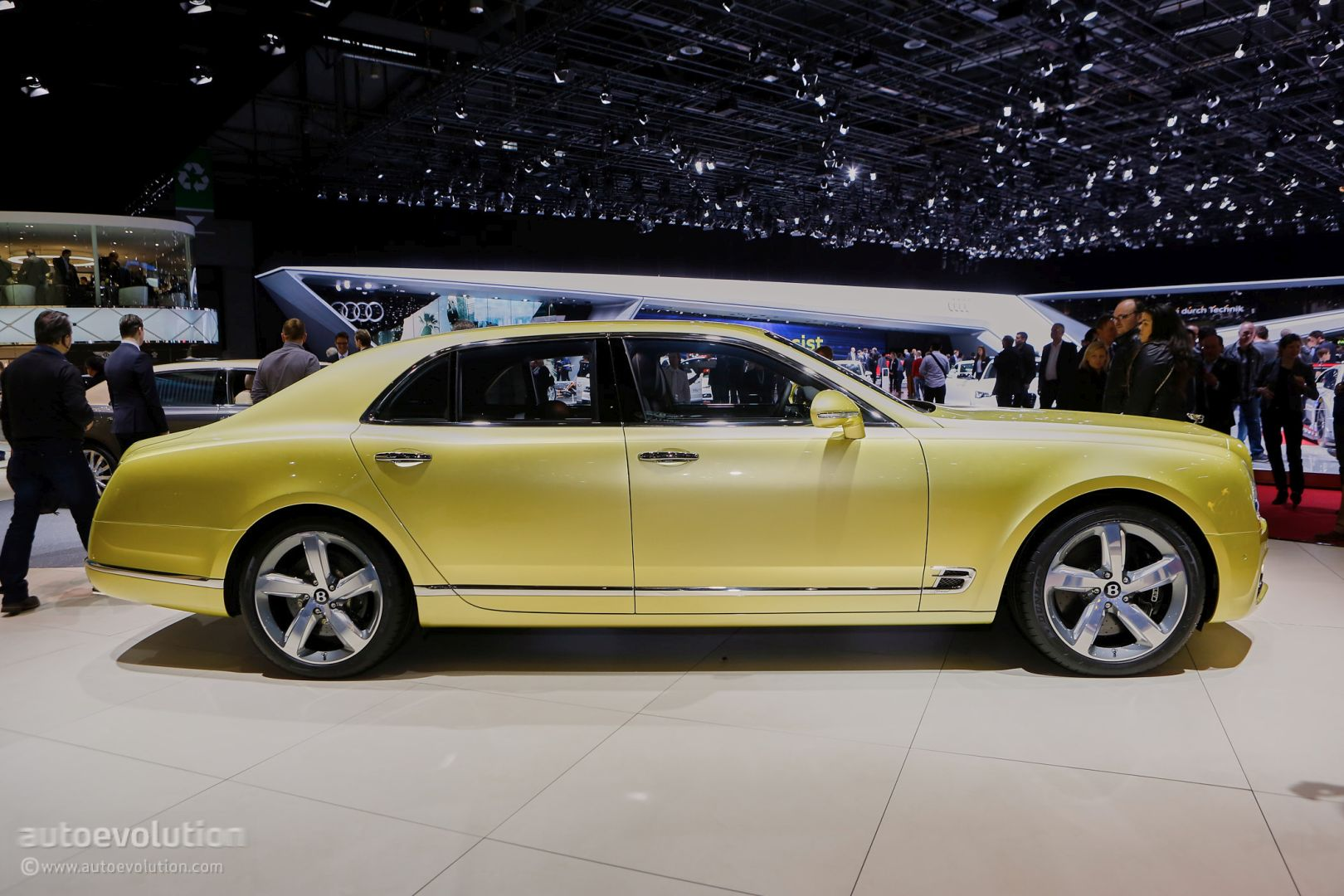 2017 bentley mulsanne speed brings reasonable velocity to the rich autoevolution. Black Bedroom Furniture Sets. Home Design Ideas