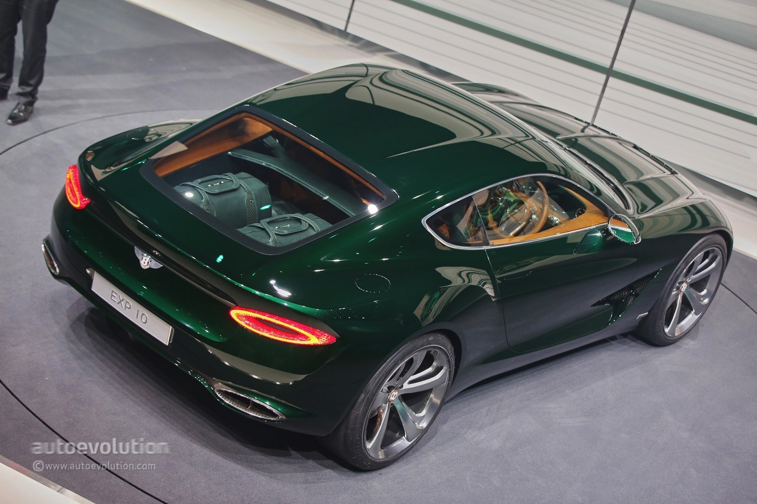 Bentley Exp 10 >> Julius Bentley Exp 10 Speed 6 Concept