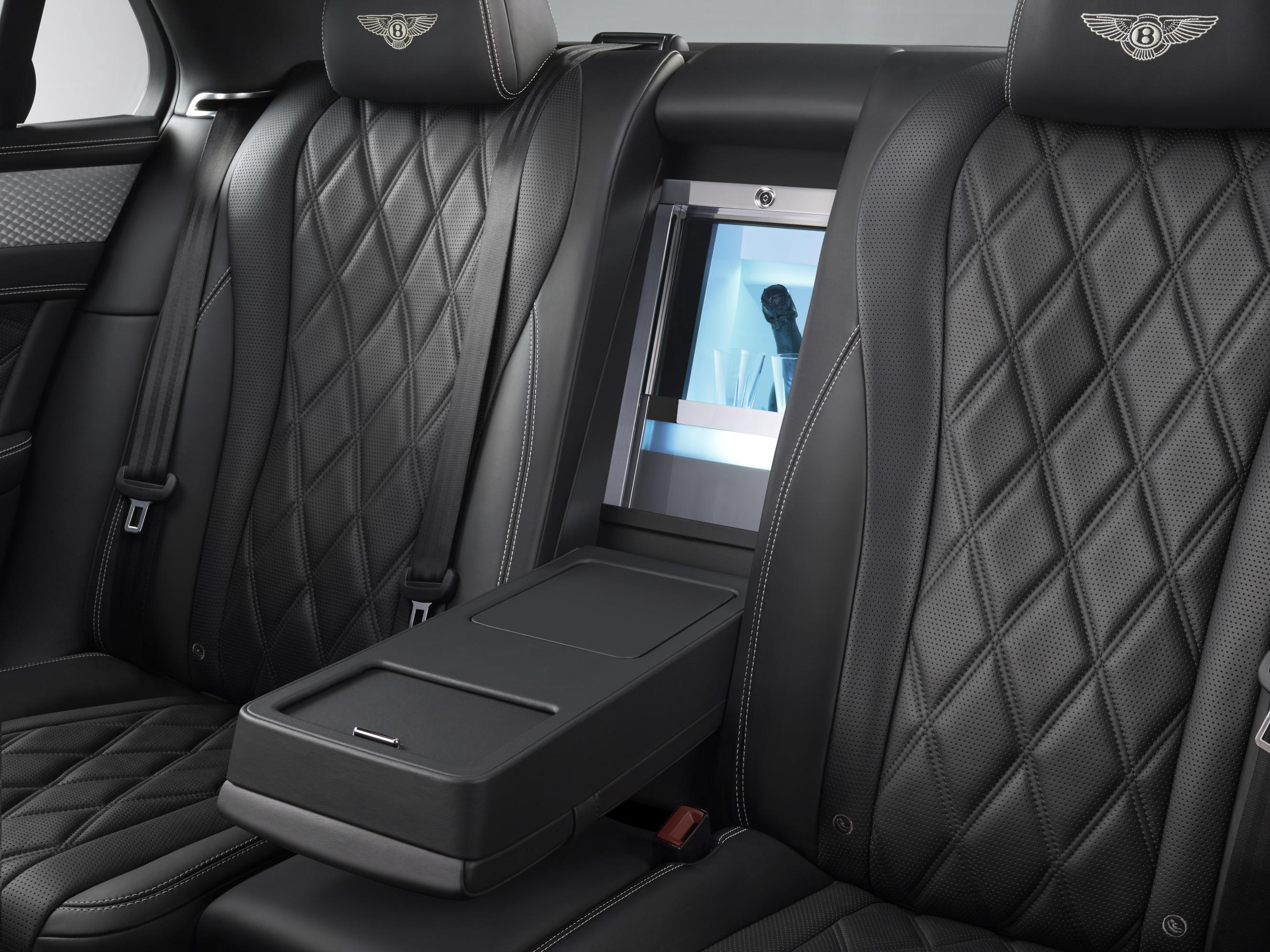 2016 bentley flying spur ups the ante with mulliner goodies