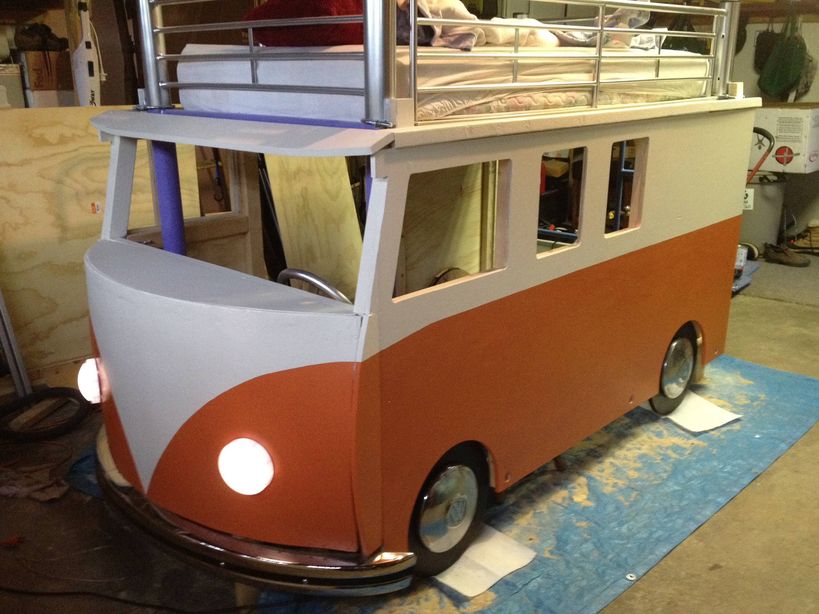 Best Dad Ever Builds Vw Bus Bed For 3 Year Old Daughter Autoevolution
