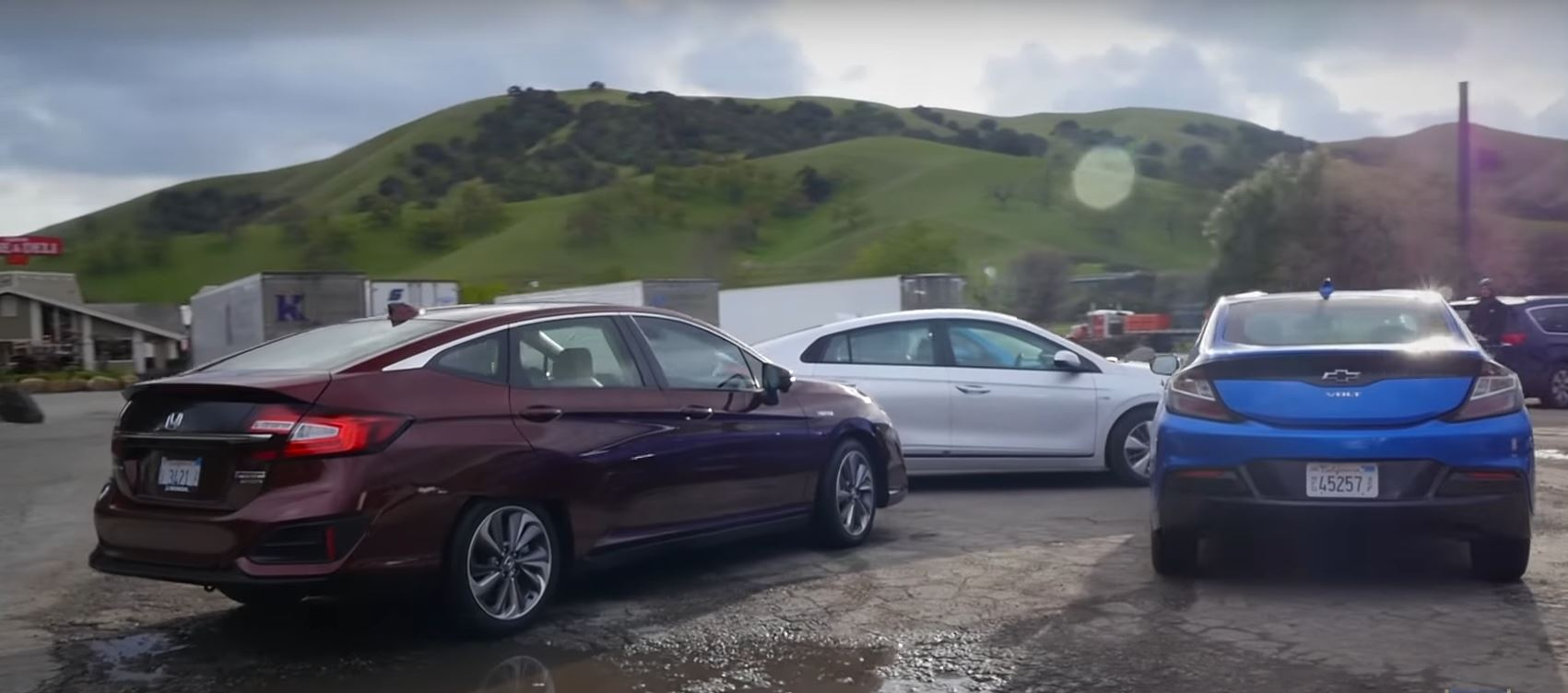 Best Phev Comparison Highlights Hyundai Ioniq Toyota Prius Chevy Volt And Honda Clarity