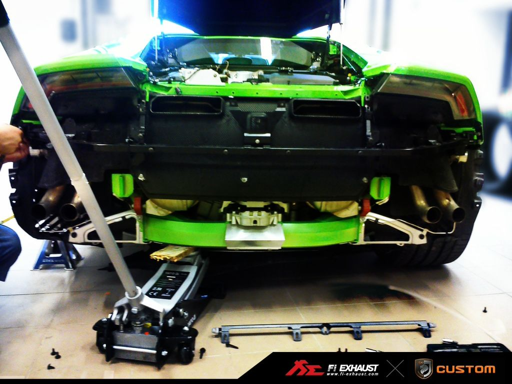 Bet You Haven T Seen A Lamborghini Huracan With Its Rear Bumper Off Yet Autoevolution