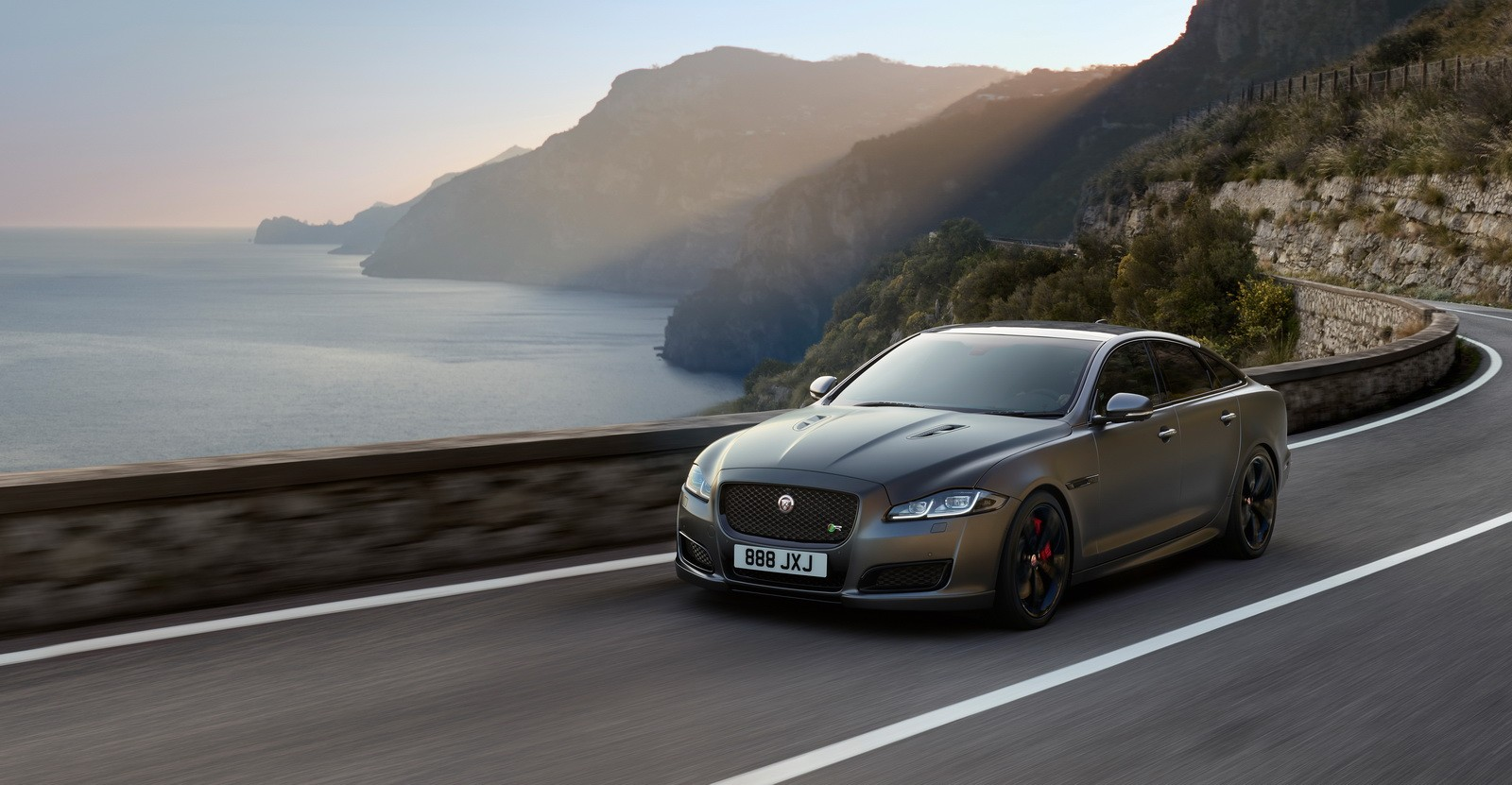 2018 jaguar xjr575 is the most powerful xj ever autoevolution. Black Bedroom Furniture Sets. Home Design Ideas