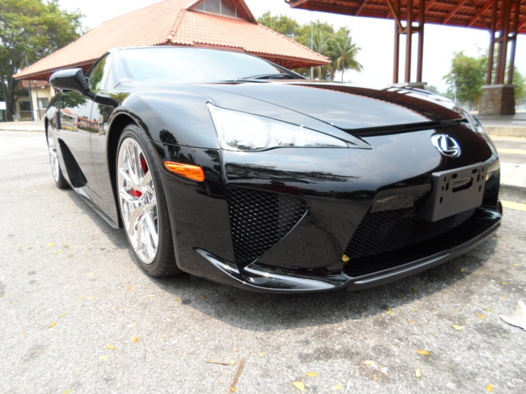 Black Lexus Lfa For Sale In The Uk What S Wrong With The Owner Autoevolution
