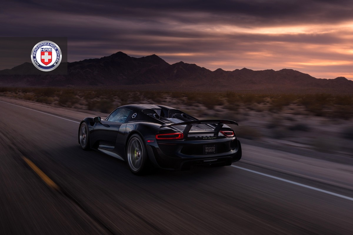 black porsche 918 spyder with weissach pack gets hre wheels autoevolution. Black Bedroom Furniture Sets. Home Design Ideas