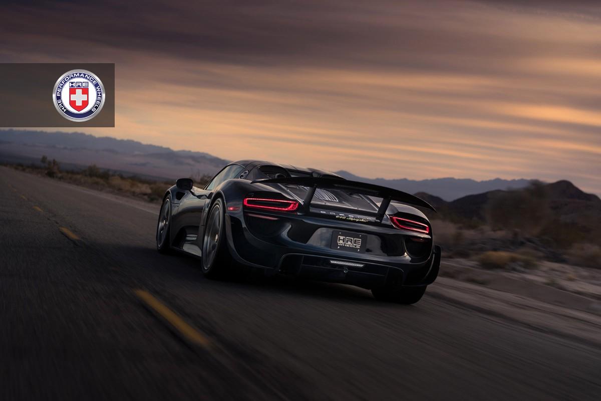 Black Porsche 918 Spyder With Weissach Pack Gets Hre