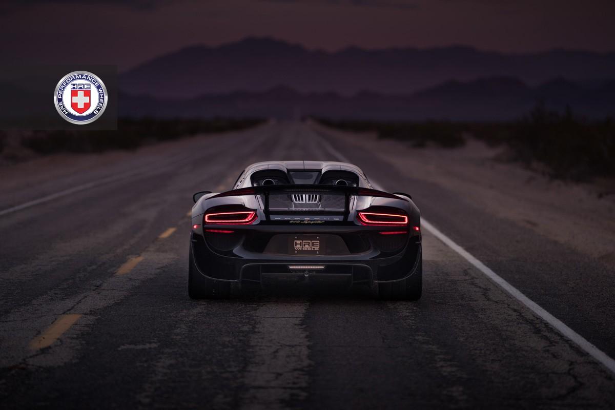open photo gallery 29 - Porsche 918 Spyder Black