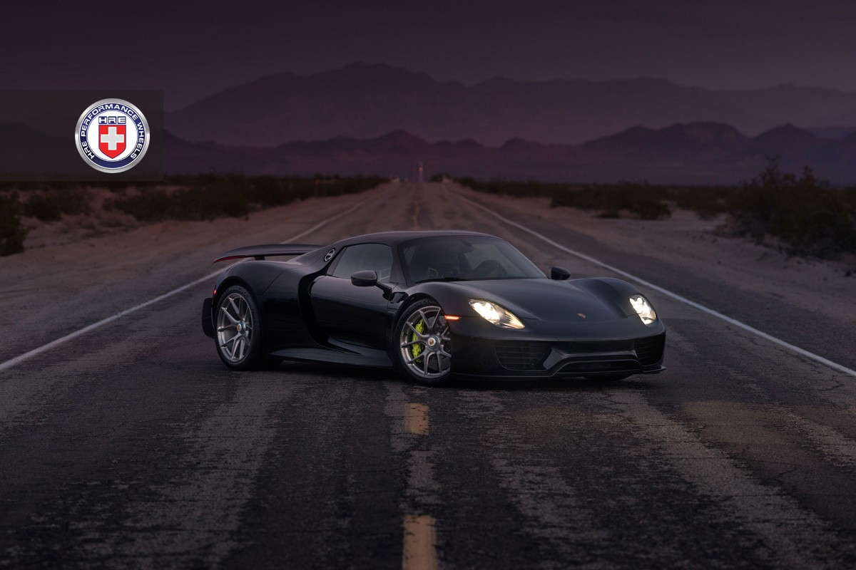 Black Porsche 918 Spyder With Weissach Pack Gets Hre
