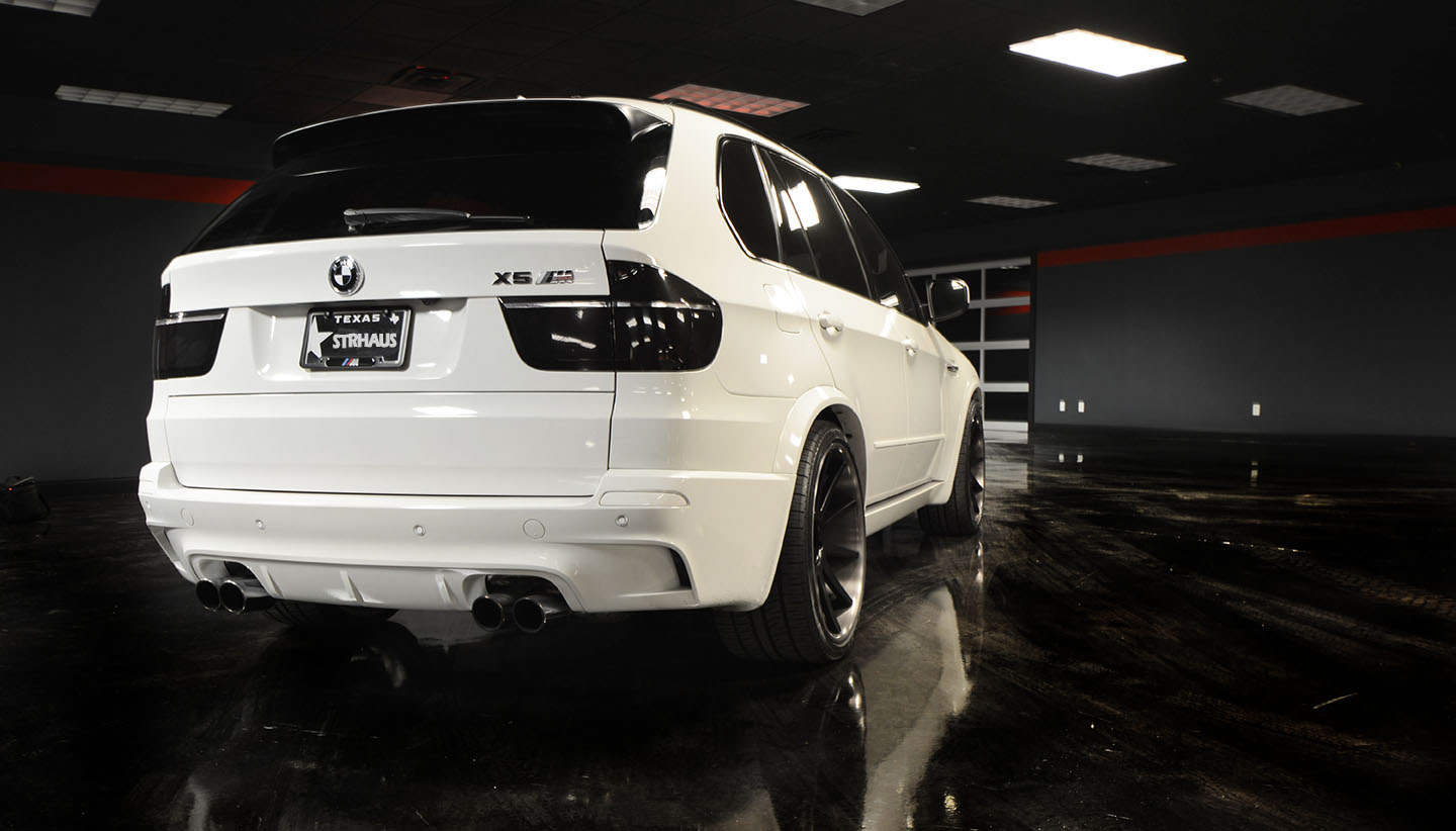 Certified Pre Owned Bmw >> Black & White BMW X5 M for Sale - autoevolution