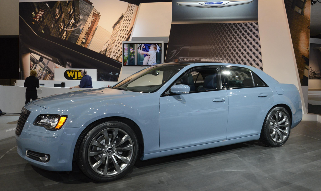 """Blacked Out"" 2014 Chrysler 300S Brings Luxury to Los ..."