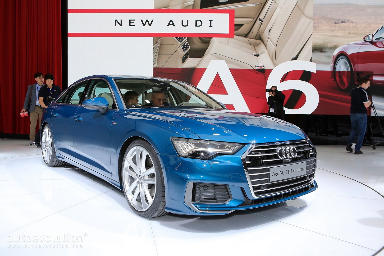 blue is the right color for 2019 audi a6 in geneva. Black Bedroom Furniture Sets. Home Design Ideas