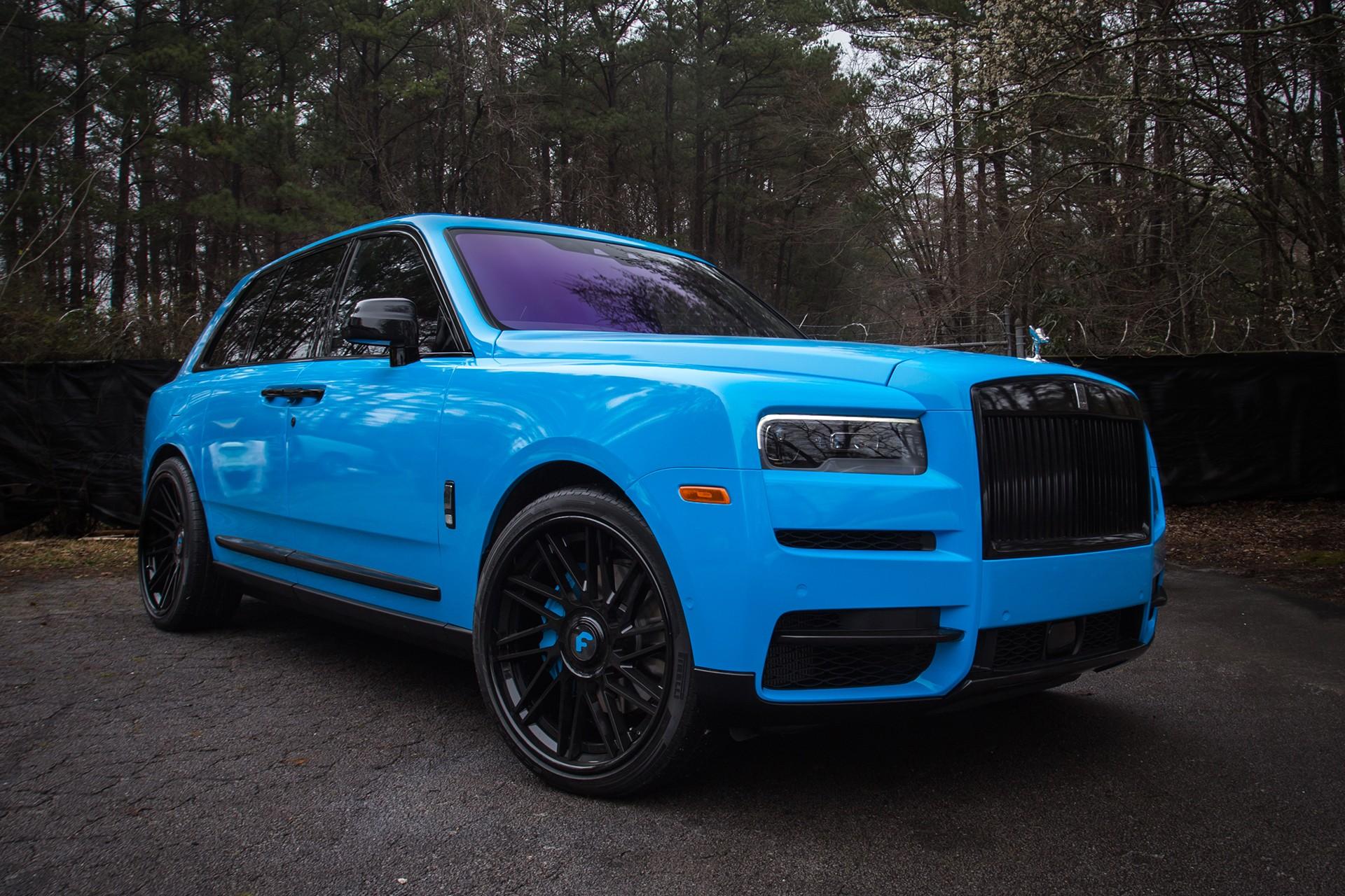 Blue Rolls Royce Cullinan On Forgiato Wheels Is Smurfing Autoevolution