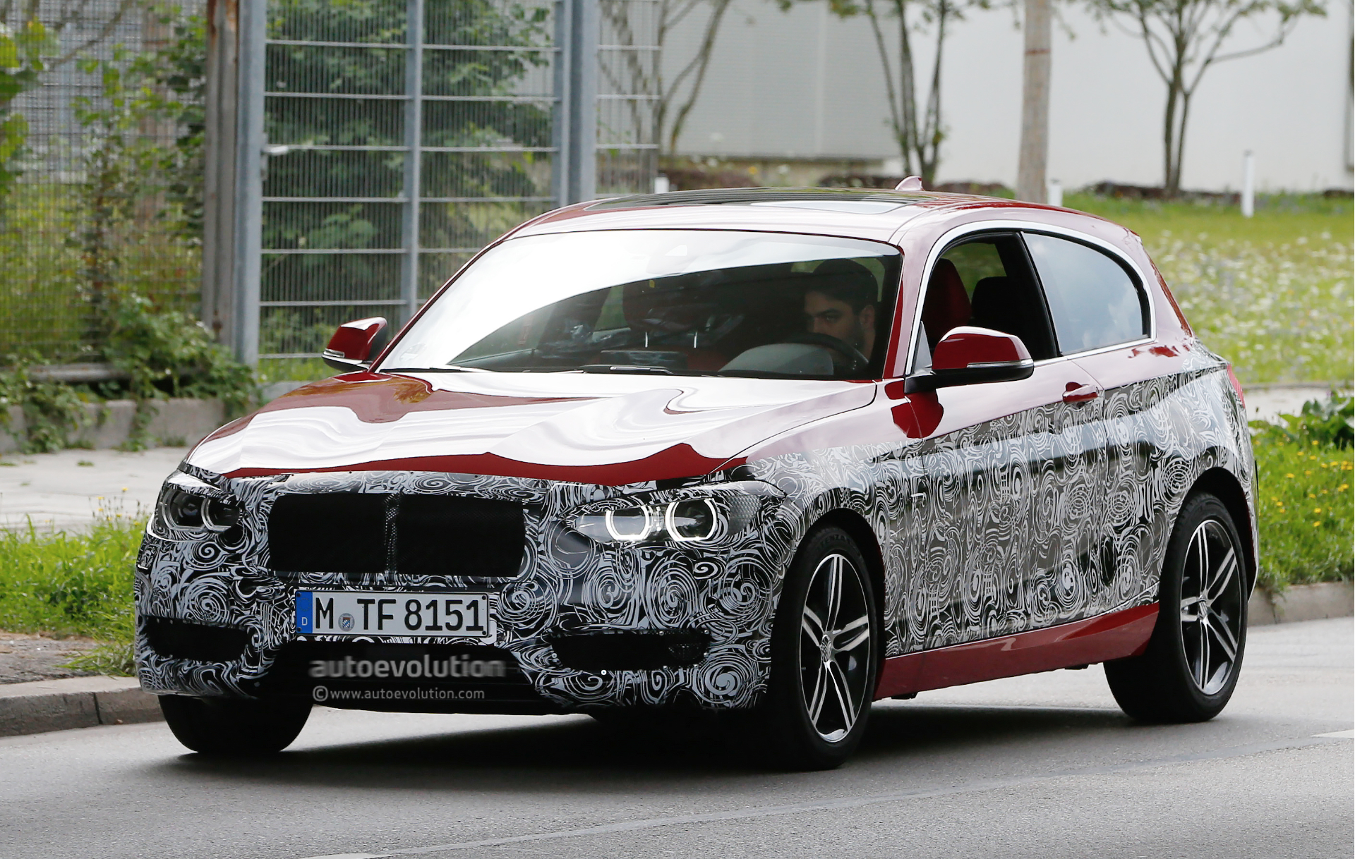 bmw 1 series facelift will get led headlights next year autoevolution. Black Bedroom Furniture Sets. Home Design Ideas