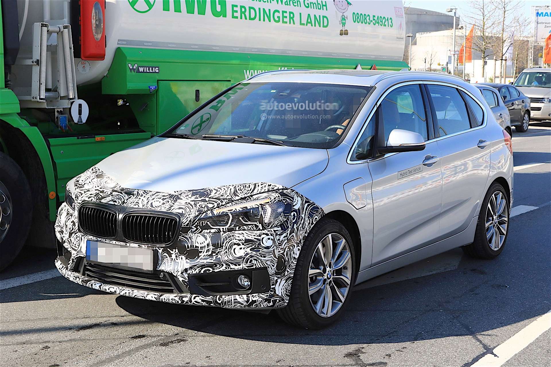 2018 - [BMW] Série 2 Active Tourer restylé  Bmw-2-series-active-tourer-facelift-spy-baldauf_4