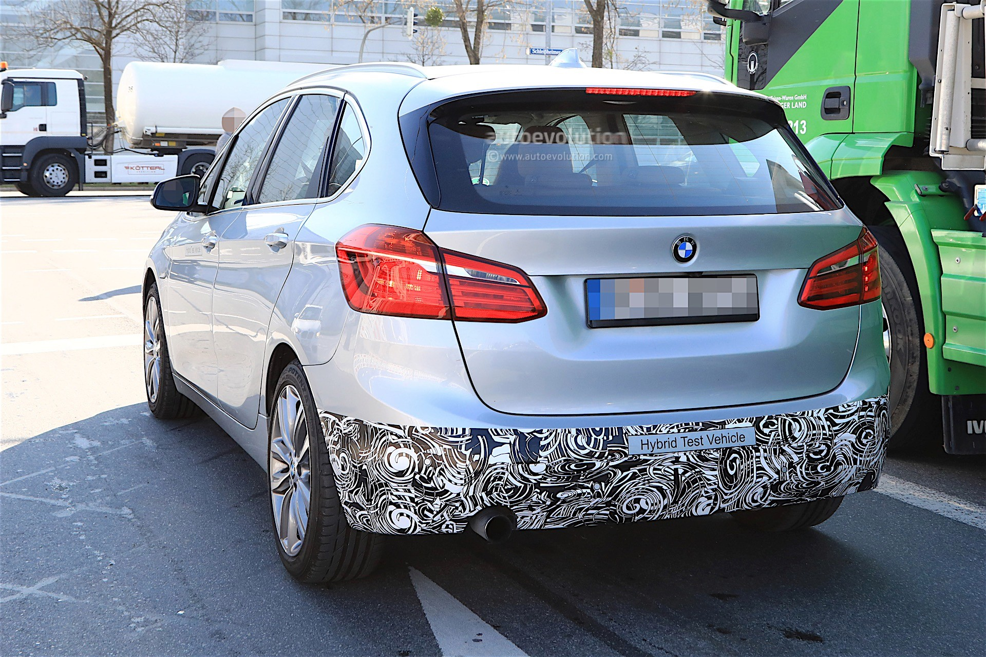 2018 - [BMW] Série 2 Active Tourer restylé  Bmw-2-series-active-tourer-facelift-spy-baldauf_7