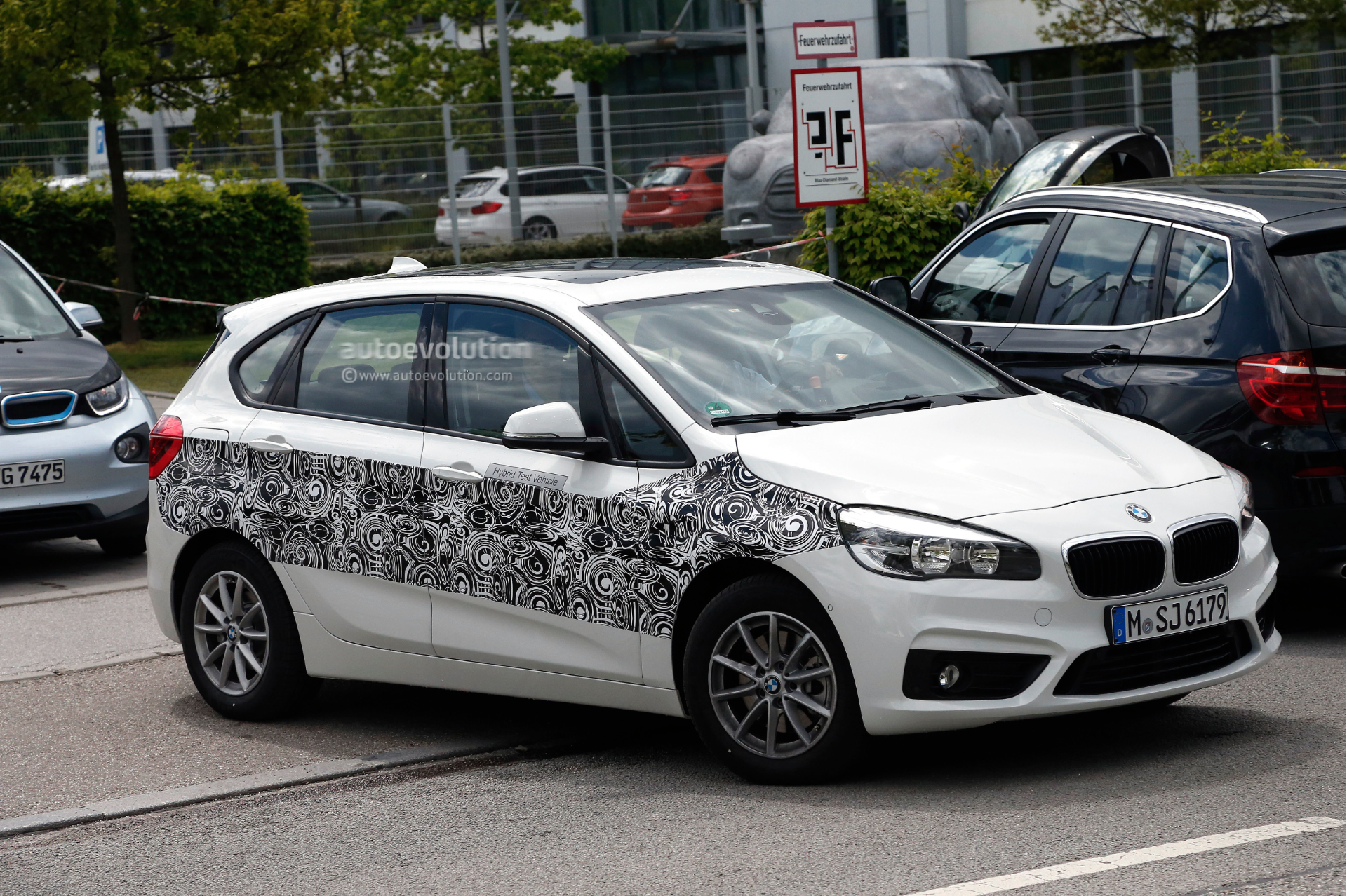 bmw 2 series active tourer plug in hybrid spotted testing. Black Bedroom Furniture Sets. Home Design Ideas