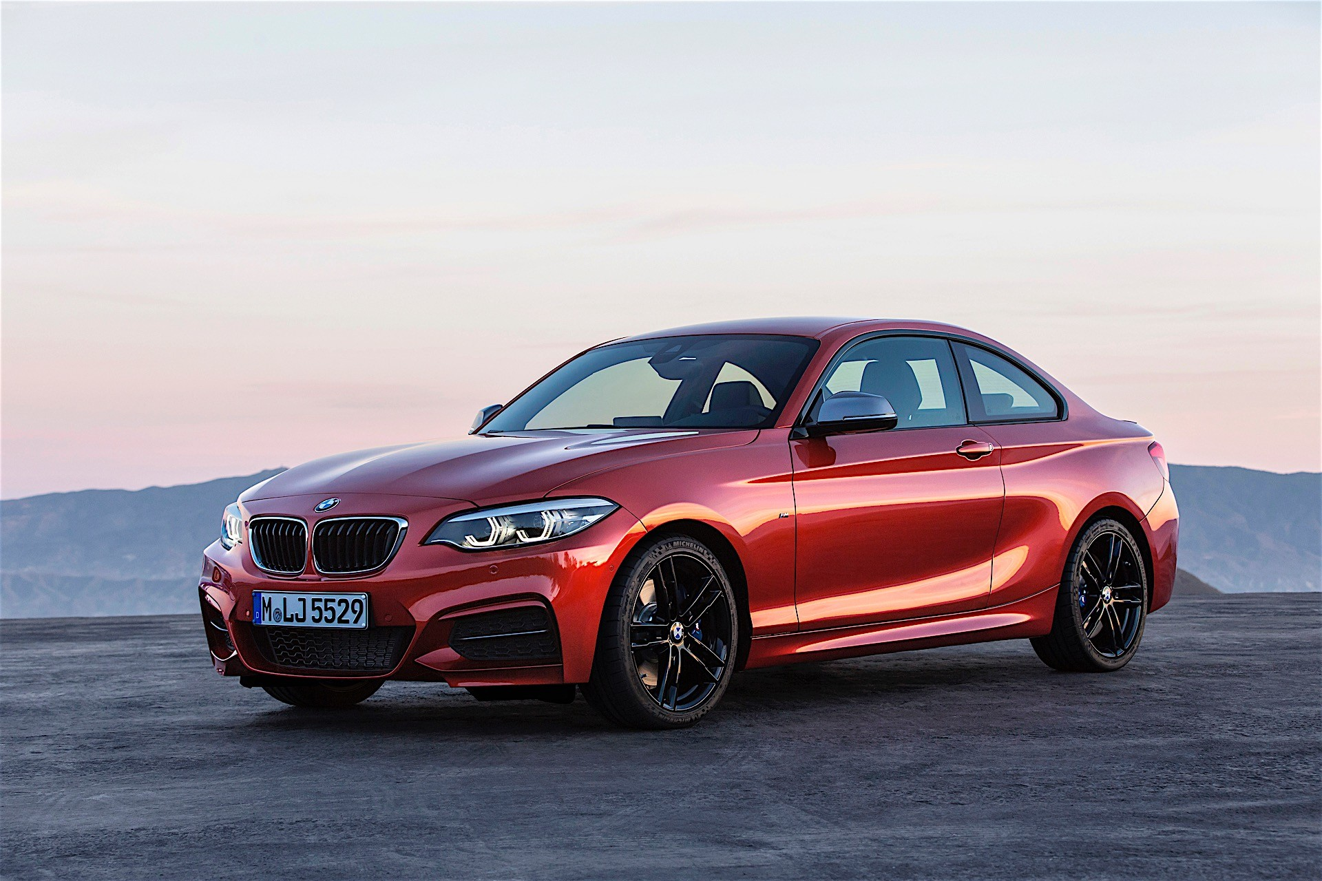 bmw 2 series coupe and cabrio get a subtle facelift they look just right autoevolution. Black Bedroom Furniture Sets. Home Design Ideas