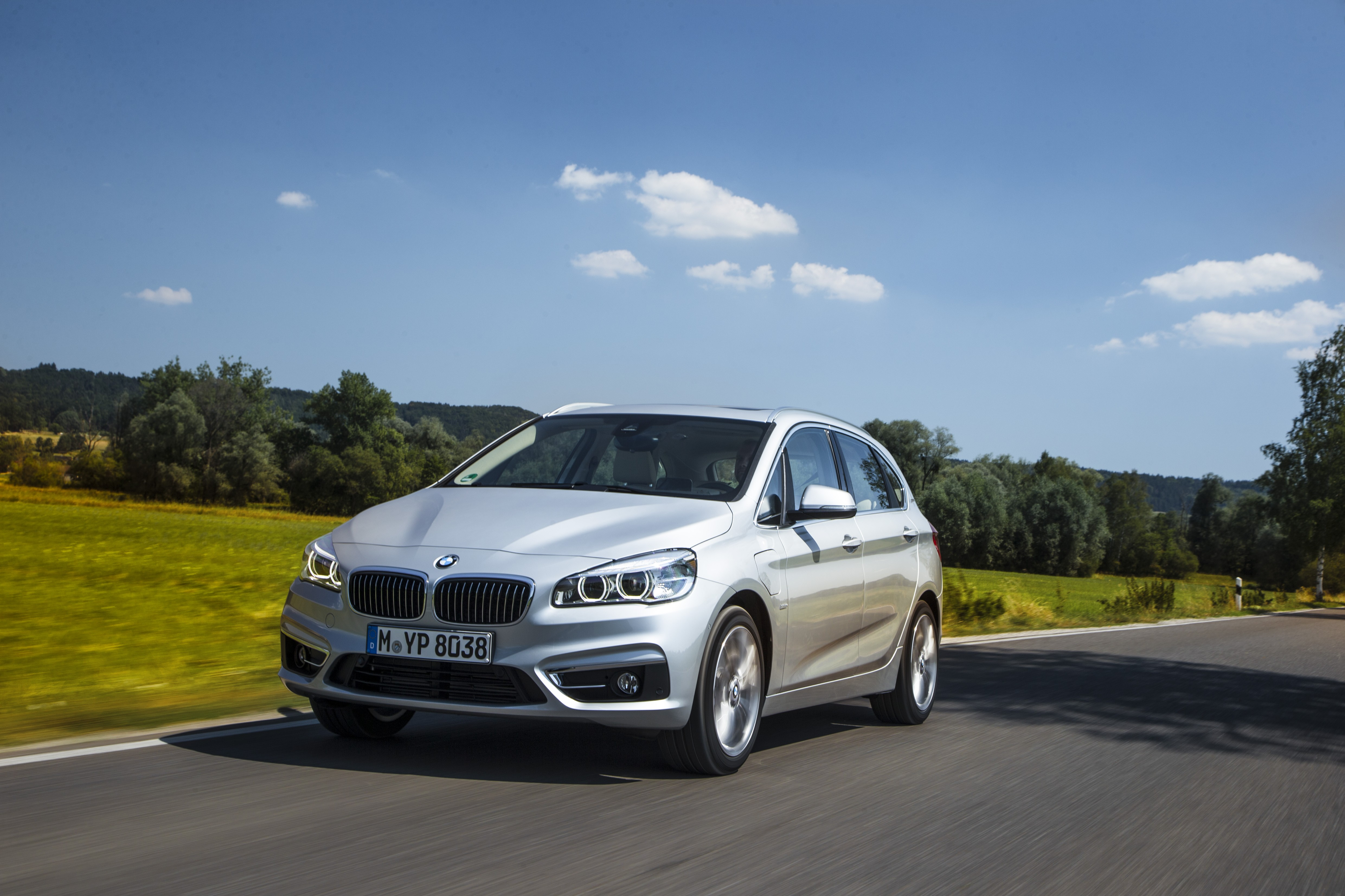 bmw 225xe active tourer plug in hybrid detailed before. Black Bedroom Furniture Sets. Home Design Ideas