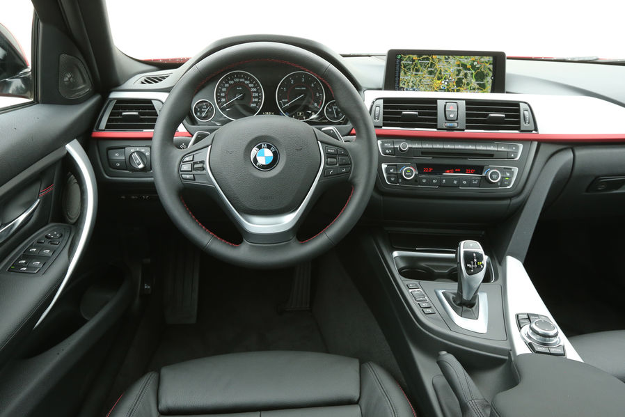 Bmw 320d Touring Review By Automotorundsport Autoevolution