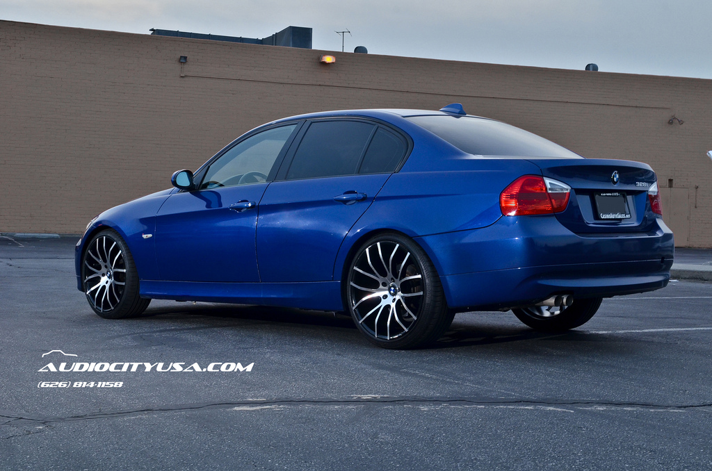 Bmw 328i Gets 20 Inch Rims From Giovanna Stands Tall