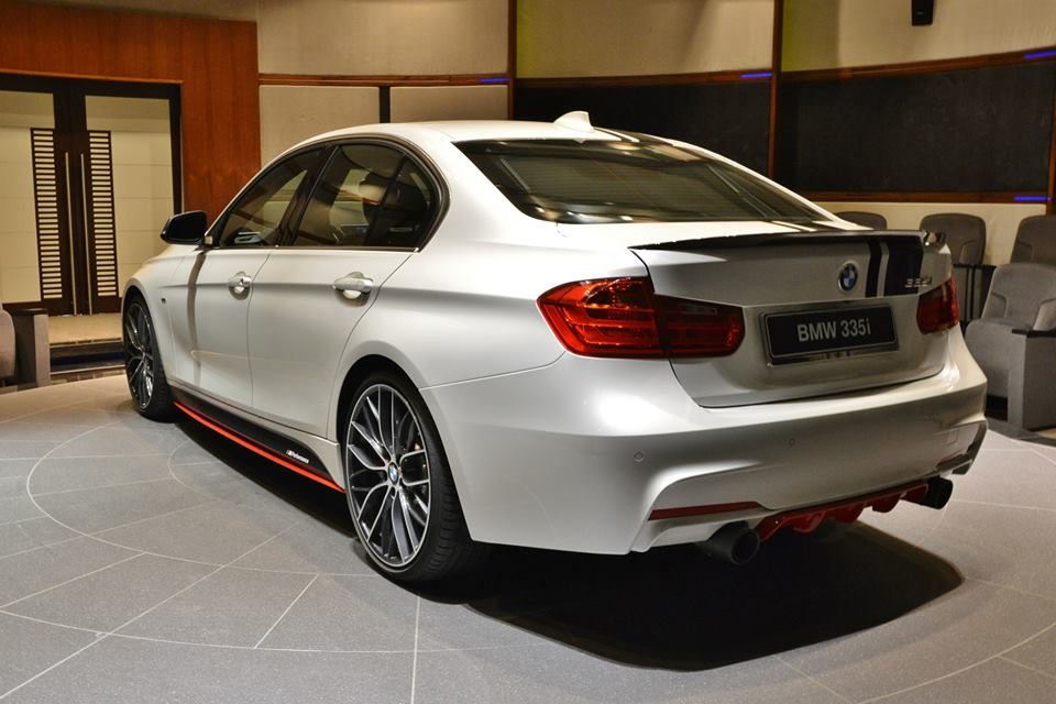 BMW 335i Shows Complete M Performance Arsenal in Abu Dhabi  autoevolution