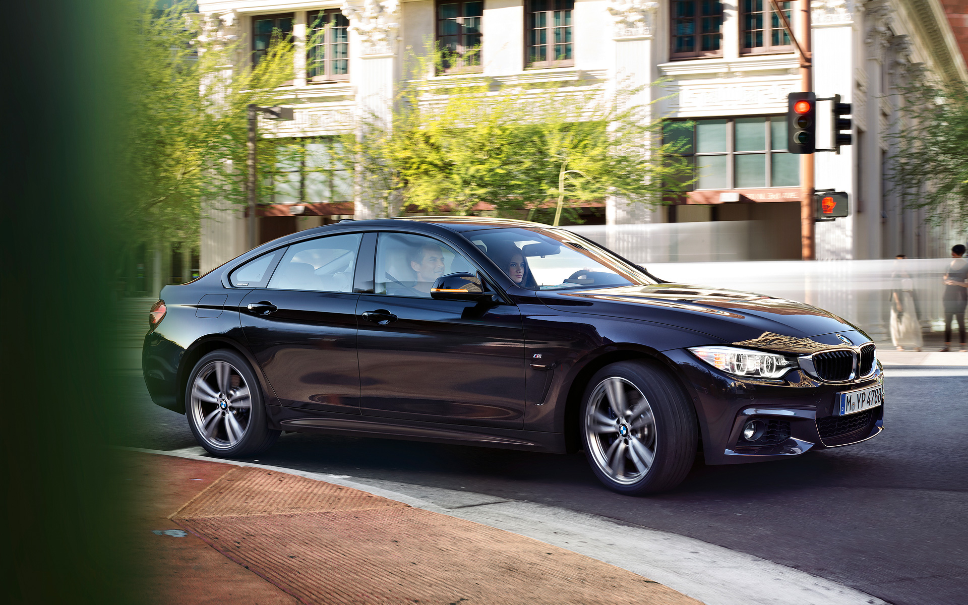 bmw 4 series gran coupe wallpapers autoevolution. Black Bedroom Furniture Sets. Home Design Ideas