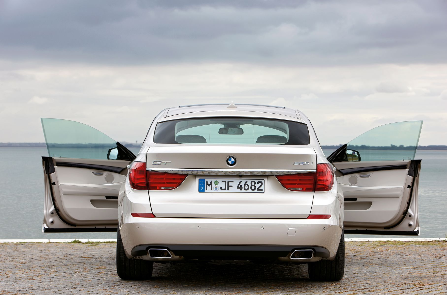 Bmw 5 Series Gt Official Specifications First Pictures