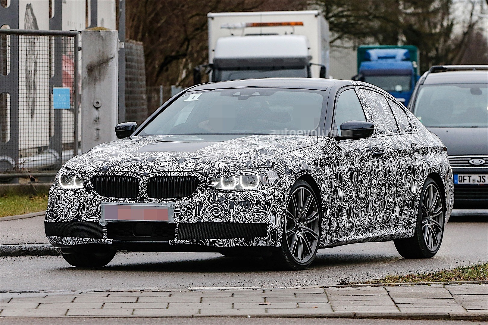 Bmw I8 Convertible >> Fresh Spy Photos of the 2017 BMW 5 Series Are Here