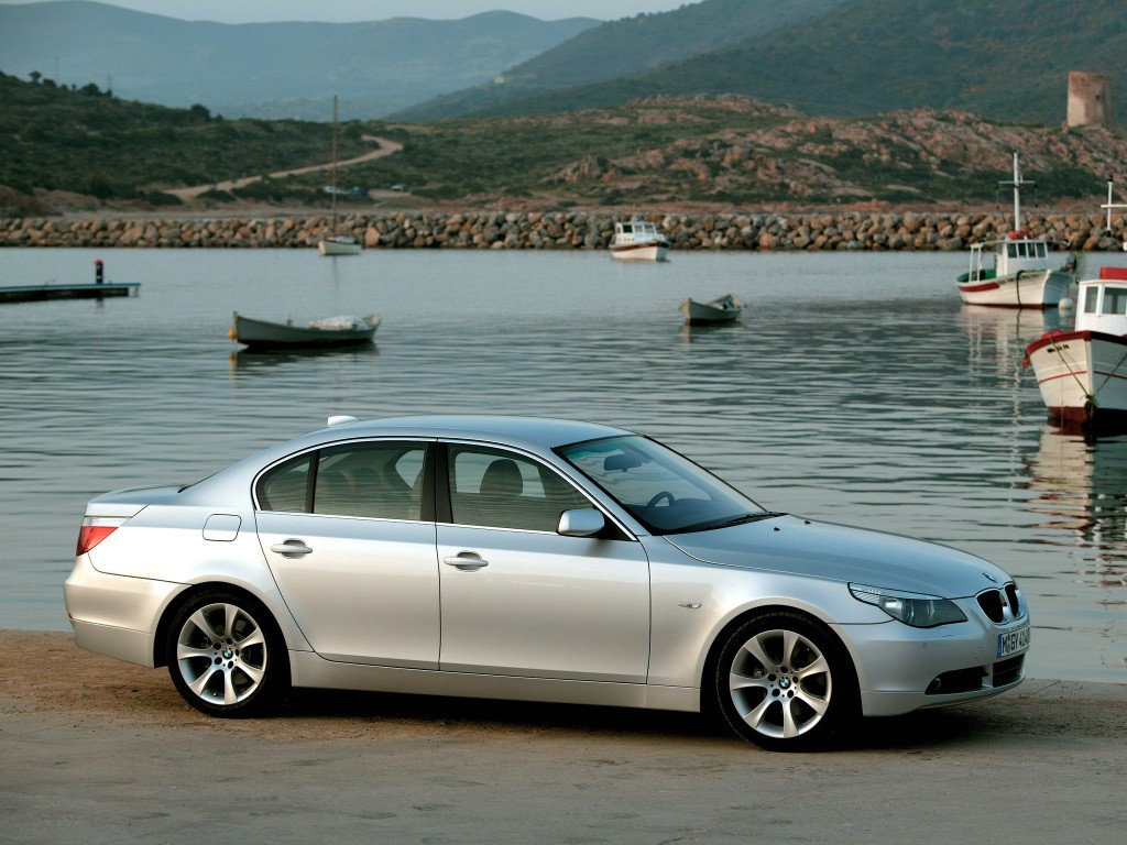 bmw 5 series through the years up to the 2017 bmw g30 5. Black Bedroom Furniture Sets. Home Design Ideas
