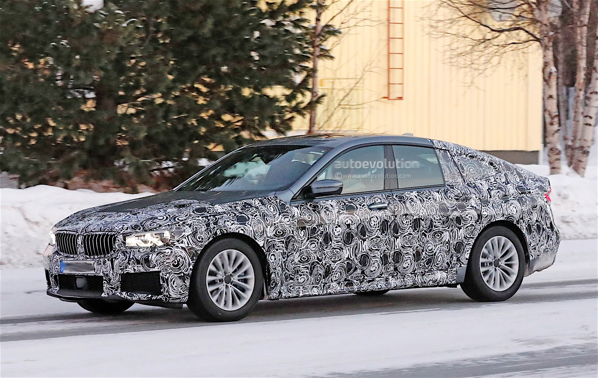 2018 bmw 6 series gt spied while testing m sport version in winter conditions autoevolution. Black Bedroom Furniture Sets. Home Design Ideas