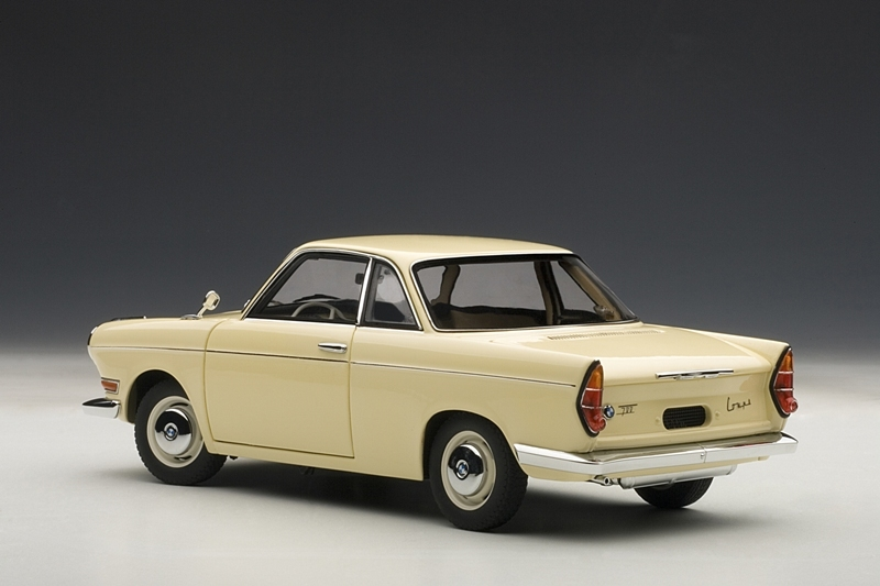 BMW 700 Coupe 1:18 Diecast Released - autoevolution