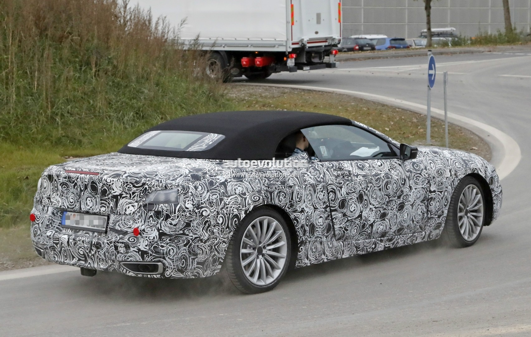 2019 - [BMW] Série 8 (G14/G15) - Page 5 Bmw-8-series-convertible-spied_19