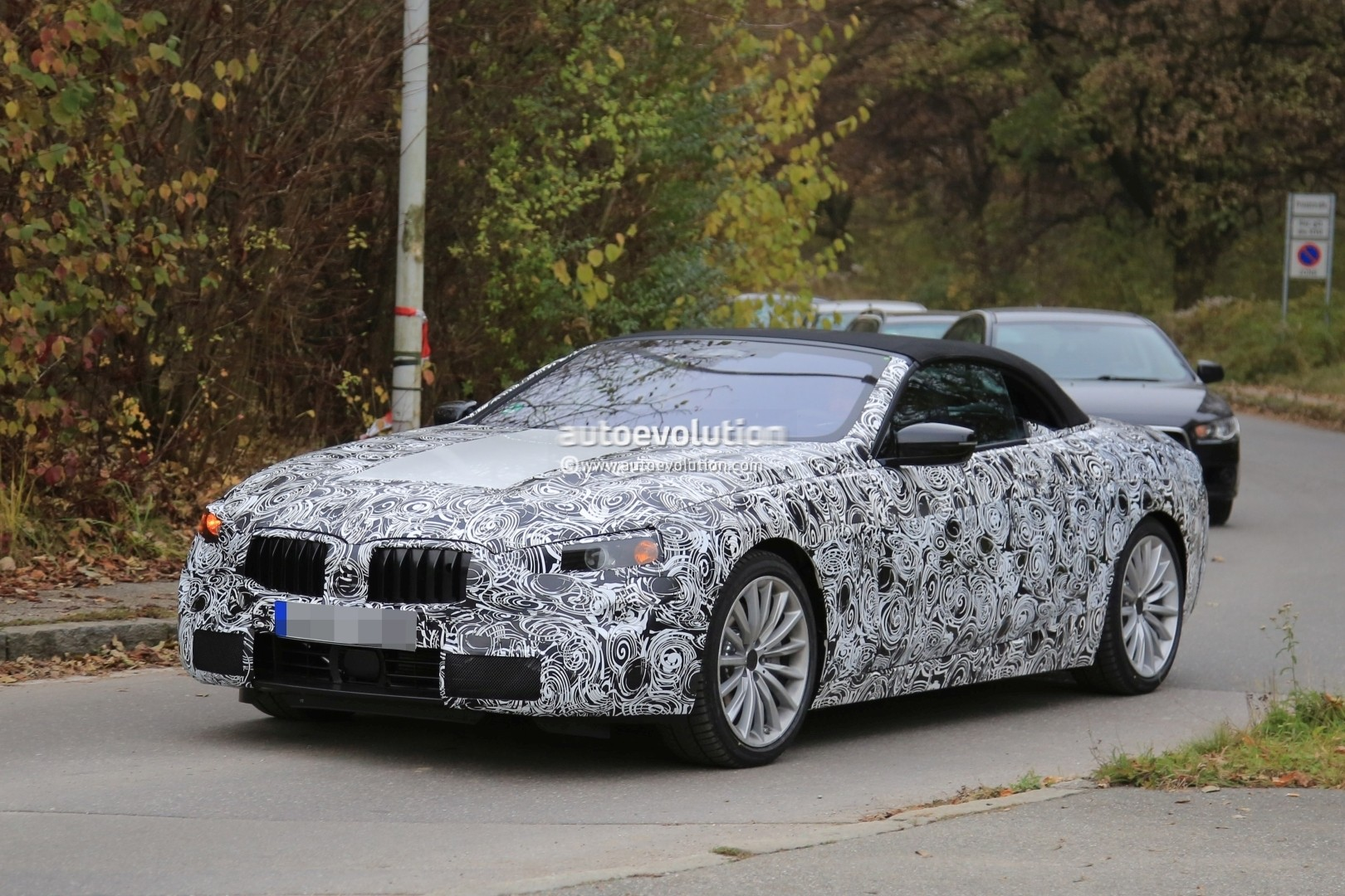2019 - [BMW] Série 8 (G14/G15) - Page 5 Bmw-8-series-convertible-spied_2