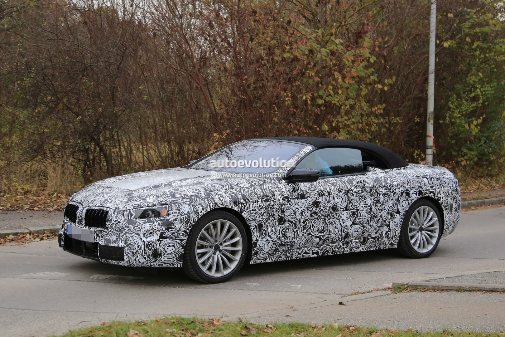 2019 - [BMW] Série 8 (G14/G15) - Page 5 Bmw-8-series-convertible-spied_3