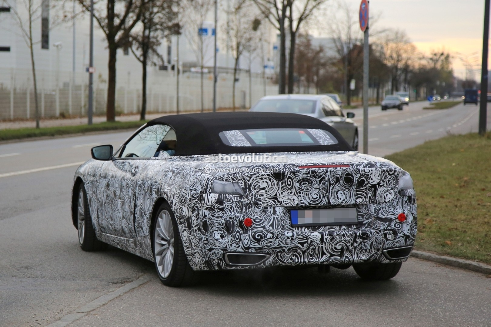 2019 - [BMW] Série 8 (G14/G15) - Page 5 Bmw-8-series-convertible-spied_8