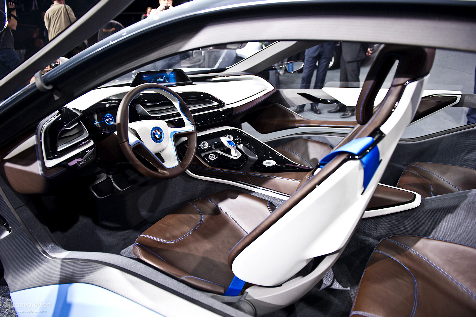 BMW Race Car >> BMW Bringing i3 and i8 Concepts to Tokyo - autoevolution