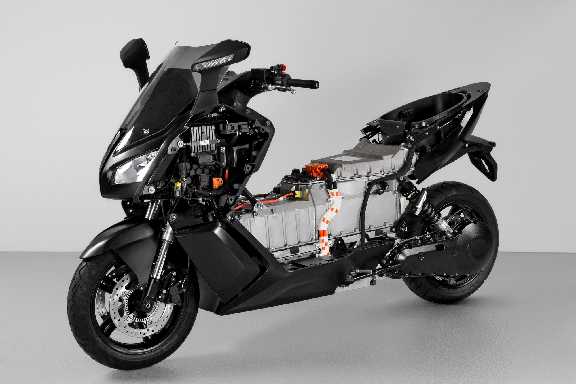 The Smallest Car In The World >> BMW C Evolution Electric Scooter Is Smoking Hot