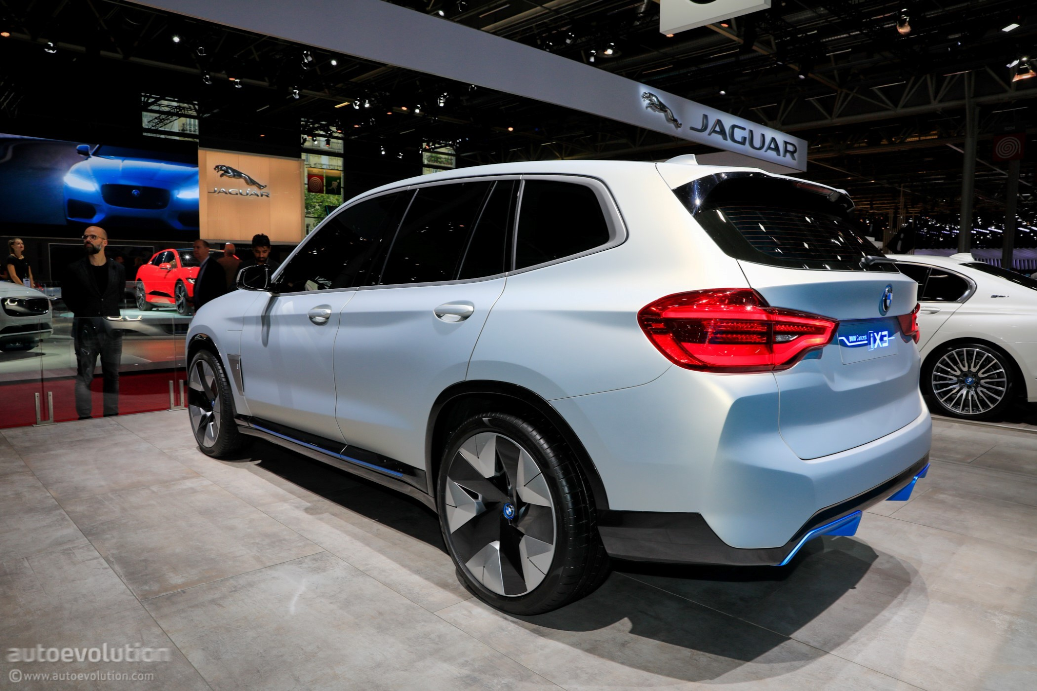 bmw concept ix3 features pirelli p zero tires in paris autoevolution. Black Bedroom Furniture Sets. Home Design Ideas