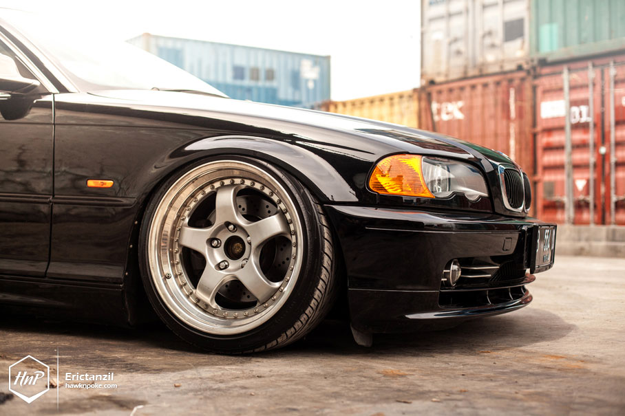Bmw E Series Coupe Rides At Ground Level Photo Gallery on Bmw E36